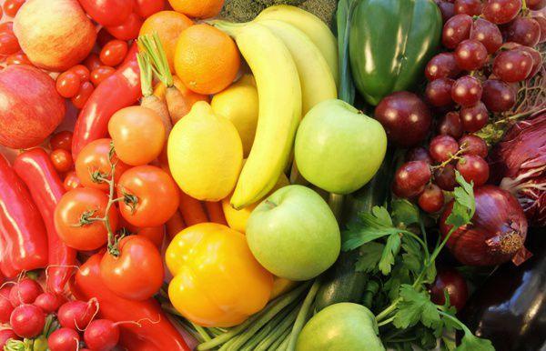 Сырые фрукты и овощи