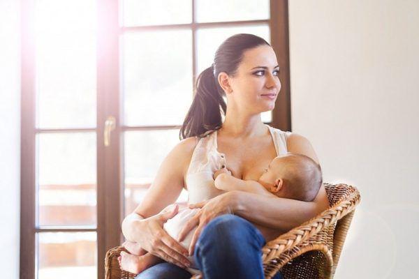 Лучшее питание для малыша - грудное молоко