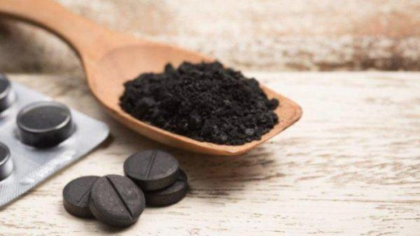 После приема активированного угля может произойти изменение цвета кала
