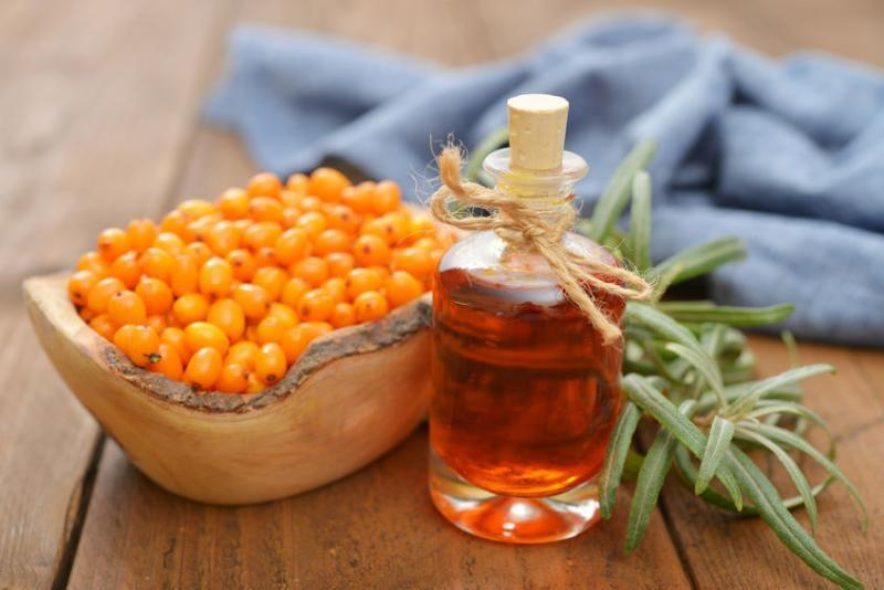 Облепиховое масло предотвращает воспалительный процесс, защищает желудок от воздействия кислот