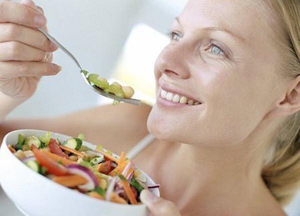 Тщательно пережевывайте пищу и не спешите