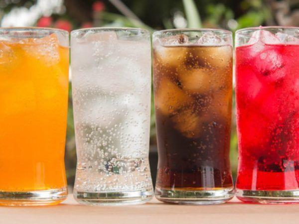 Употреблять газированные напитки не рекомендуется