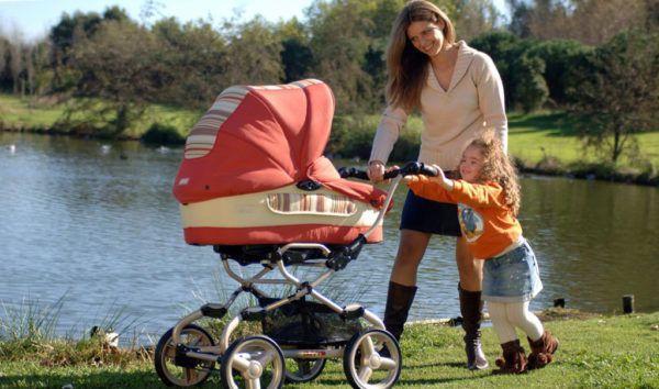 Чаще гуляйте с малышом вдали от городских дорог
