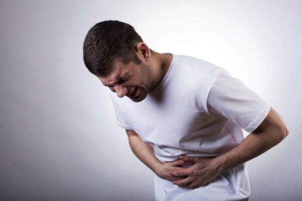 Если проявляются симптомы воспаления селезенки, необходимо обратиться к специалисту за помощью
