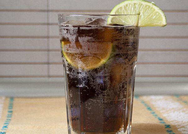 Газированные напитки и алкоголь запрещены при изжоге
