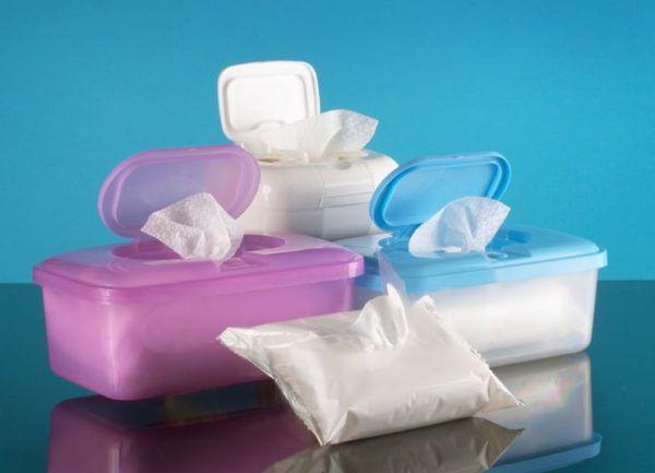 Используйте мягкие влажные салфетки
