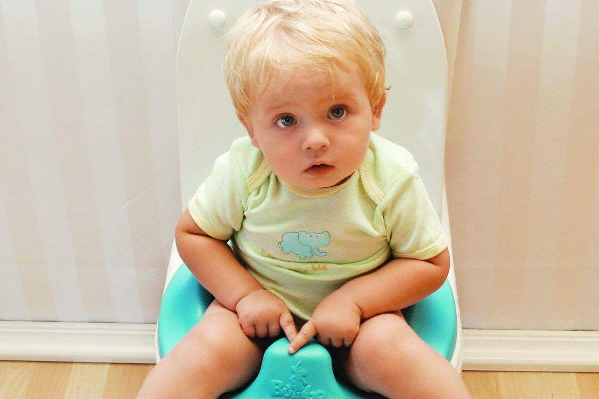 Характер испражнений новорожденного зависит от множества факторов