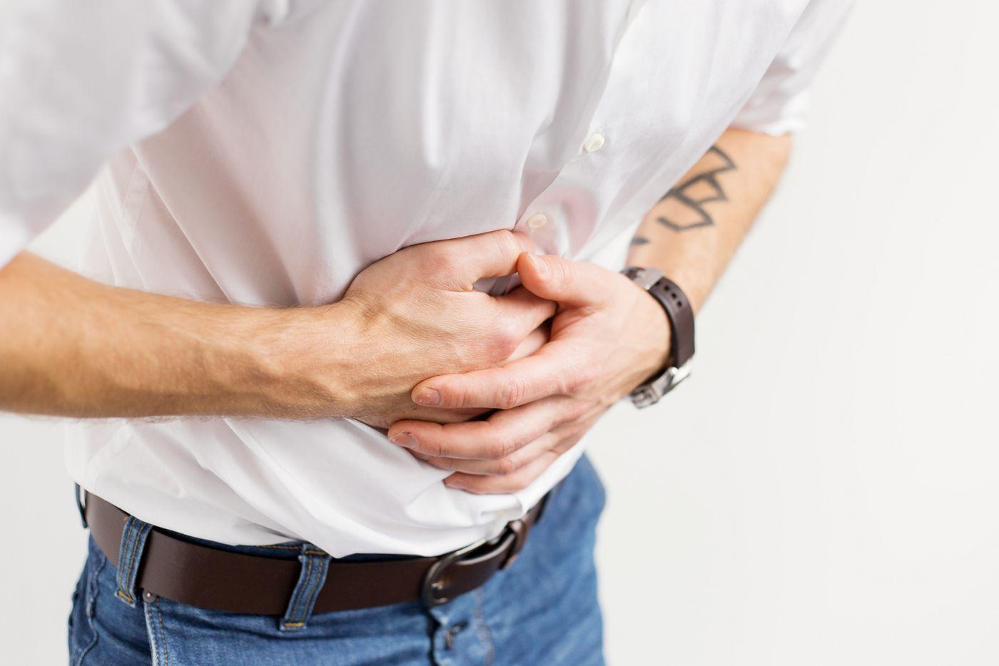 Как проявляется язва желудка - симптомы