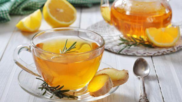 Касторку можно добавить в теплый чай