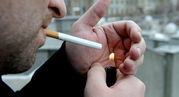 Курящие мужчины чаще страдают геморроем