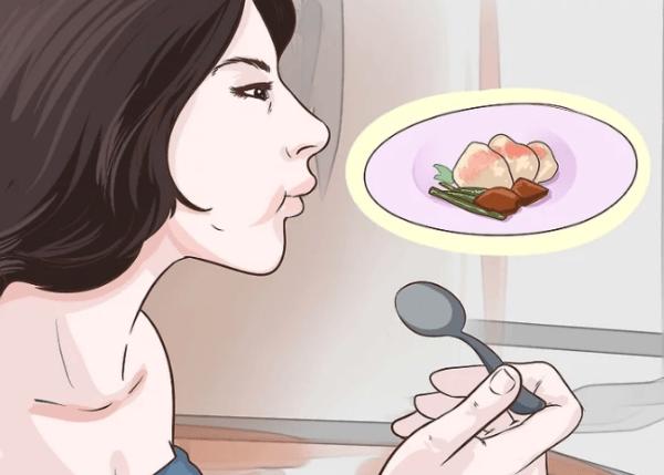 Маленькие порции еды в меньшей степени вызывают симптомы колита, в то время как большие порции вызывают обострение колита