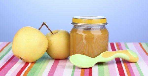Можно покупать готовое фруктовое пюре, предназначенное для детского питания