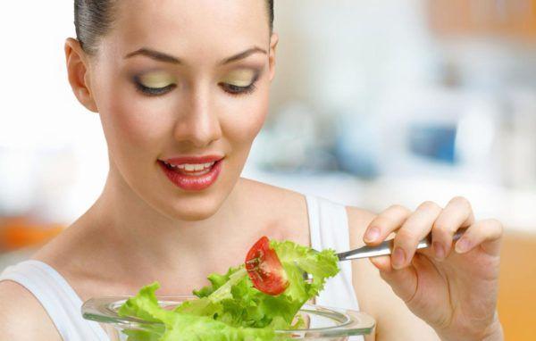 Ограничьте употребление сырых овощей и фруктов
