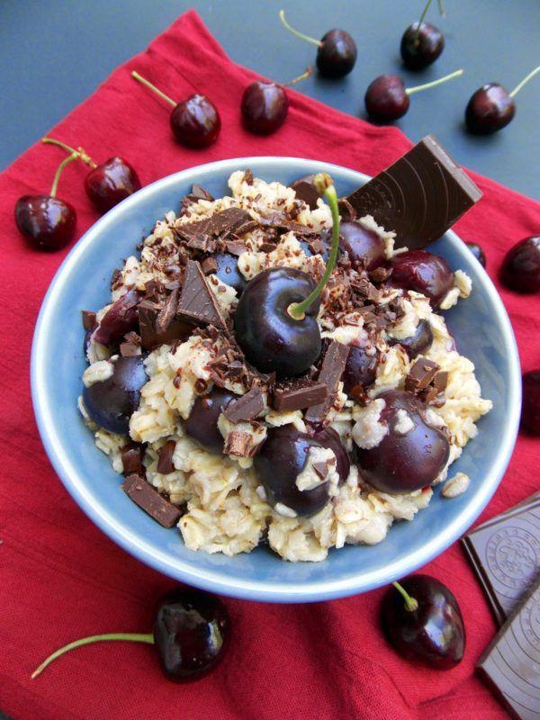 Овсянка и шоколад - продукты, которые стоит исключить из рациона за несколько дней до ФГДС