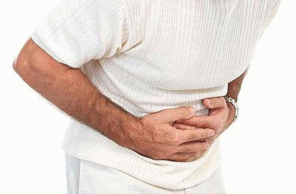 При режущих болях требуется немедленная медицинская помощь