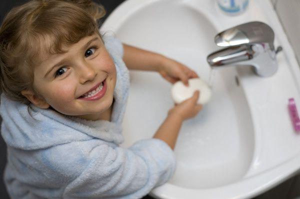 Стоит выбирать мыло с дезинфицирующим эффектом