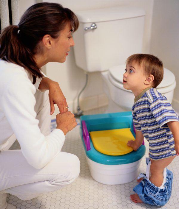 У ребенка может быть НЯК, гастрит или другое заболевание ЖКТ