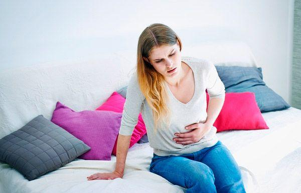В первом триместе боли у беременных являются физиологическими