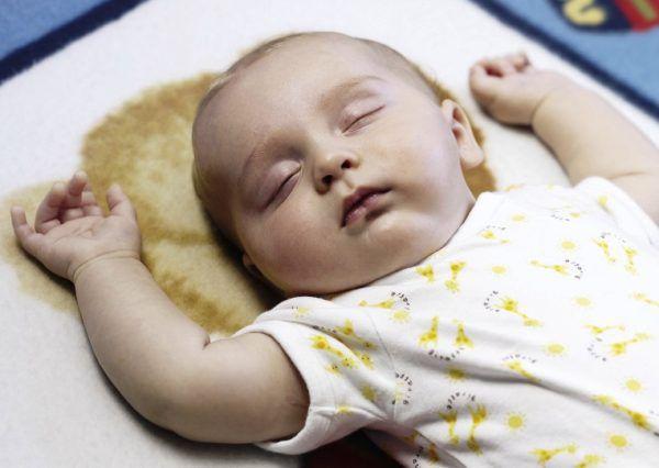 Вялый новорожденный ребенок
