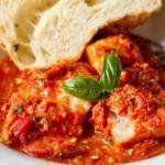 Запеченная треска с томатным соусом