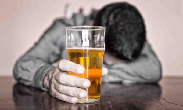 Злоупотребление алкоголем - один из факторов риска