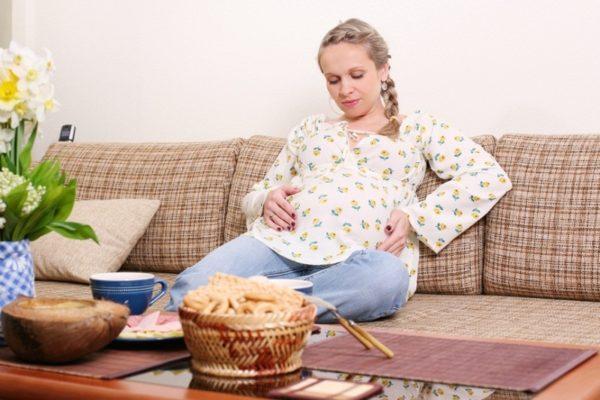 Часто беременных преследует токсикоз и гормональная перестройка организма