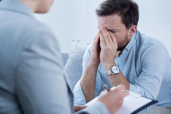 Головные боли и депрессия из-за интоксикации организма при лямблиозе