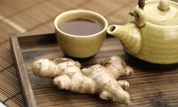 Имбирный чай помогает очищать пищеварительный тракт от токсинов патогенных микроорганизмов