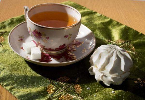 Из сладостей можно позволить себе зефир к чаю
