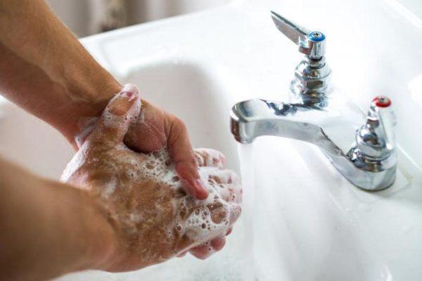 Как можно чаще мойте руки