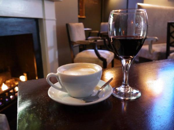 Кофе и красное вино