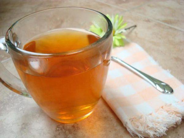 Пациенту следует выпивать большее количество воды, чая или морсов каждый день
