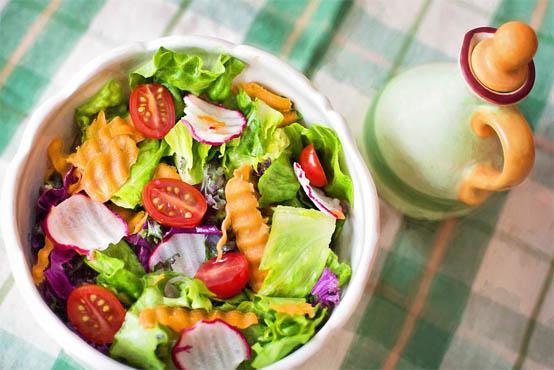 Питаться при язве желудке необходимо в умеренных количествах