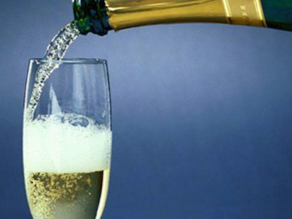 Шипучий алкоголь при панкреатите – настоящий яд