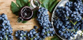Виноград и его производные: сок, изюм, вино