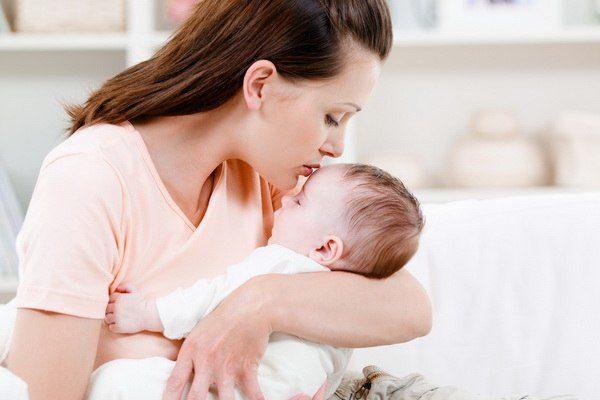 Восемь из десяти новоиспеченных матерей страдают геморроем