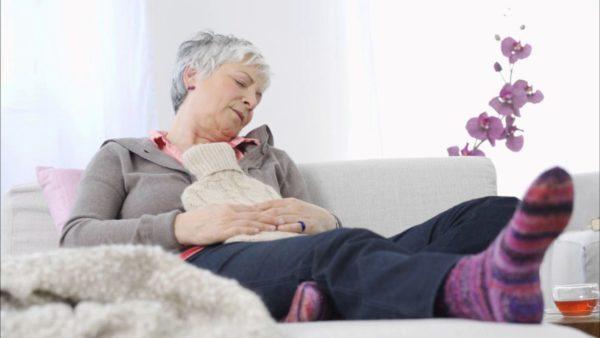 Риск перехода увеличивается в разы у людей преклонного возраста и у тех, кто имеет генетическую предрасположенность к онкологии желудка