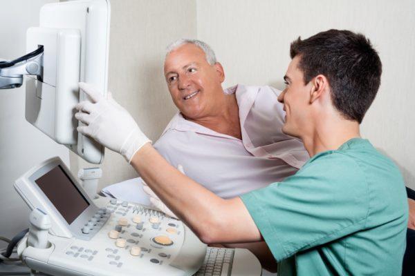 При острых приступах боли или обильных кровяных выделениях обследование проходит без очищения кишечника