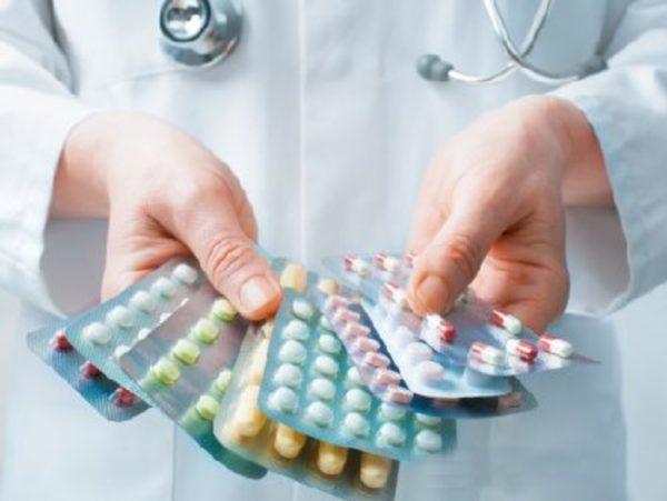 Прием медикаментозных препаратов — наиболее эффективный способ лечения