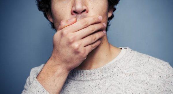 Галитоз – серьезный симптом, требующий быстрого устранения