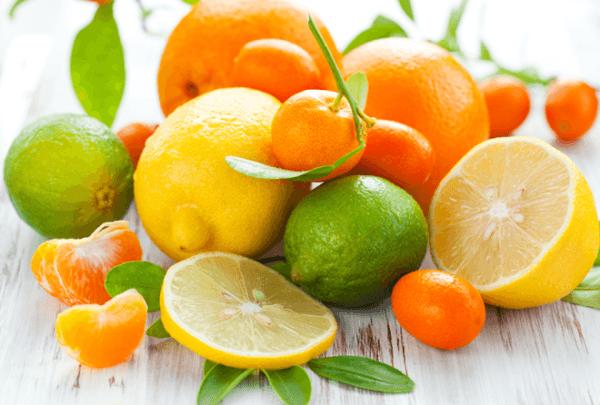 Из рациона необходимо исключить кислые фрукты и ягоды