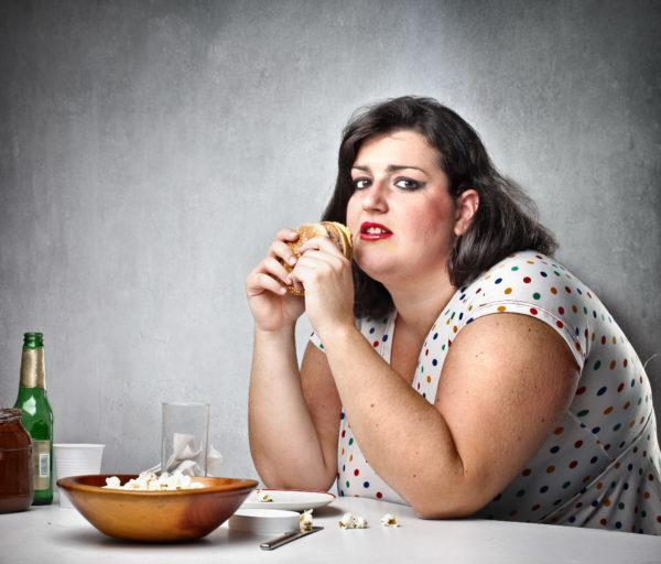 Лишний вес - дополнительный негативный фактор, провоцирующий болезнь