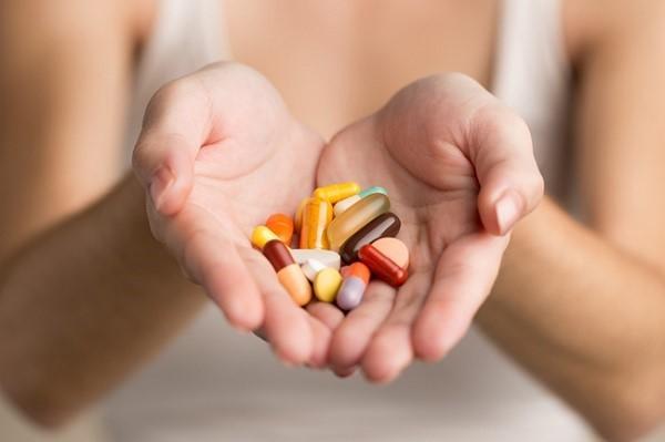 Не купируйте рвоту и понос таблетками, дайте токсинам выйти из организма