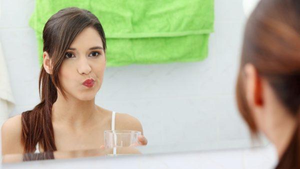 Полоскание рта водочно-солевым раствором