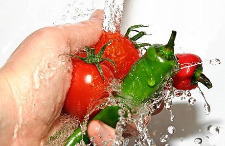 Следите за свежестью и чистотой пищи
