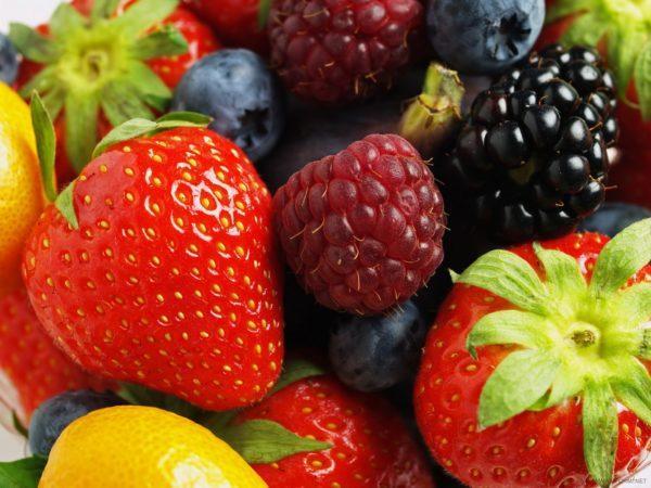 Лечебное питание после кишечных операций основано на отказе от кислых продуктов, включая фрукты и ягоды