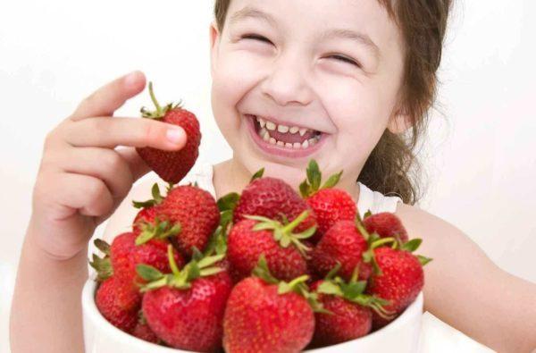 Аллергическая реакция на некоторые продукты может вызвать тошноту