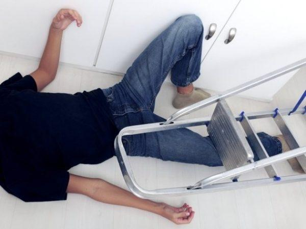 Травмы в результате падения могут стать причиной перфорации кишечника