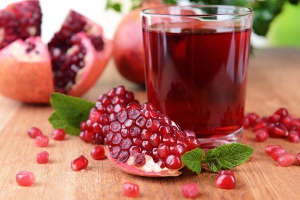 Гранатовый сок содержит огромное количество витаминов и калия
