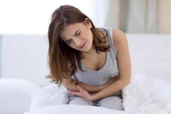 Боль в животе - наиболее распространенный симптом